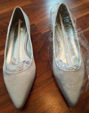 Ballerinas / Brautschuhe, weiß-silbern schimmernd mit silbernem Absatz, Größe 39, NEU OHNE ETIKETT