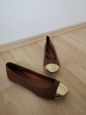 H&M Bailarinas con tacón Mary Jane color oro-coñac