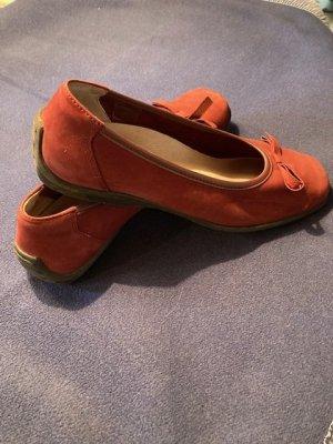 Ballerinas dunkles Weinrot