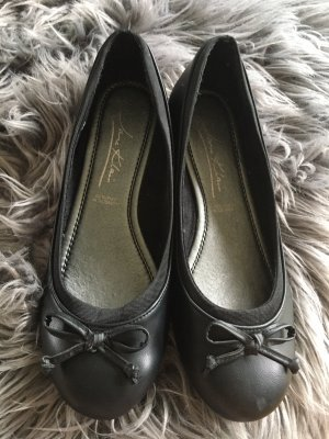 Ballerines en cuir verni noir