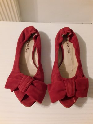 Mercedeh Peep Toe Ballerinas red