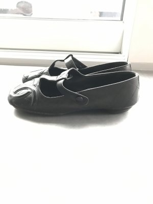 Chanel Strappy Ballerinas black-red
