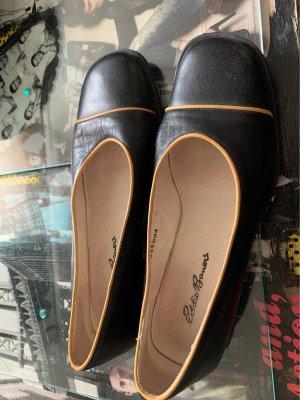 Eddie Bauer Zapatos formales sin cordones negro-albaricoque