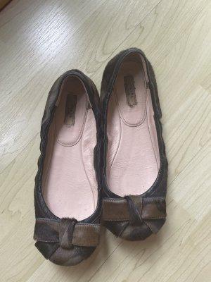 Ballerinas von Prada in Camouflage