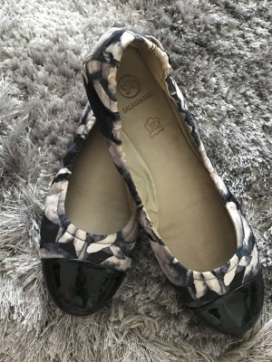 Salamander Patent Leather Ballerinas black-cream leather