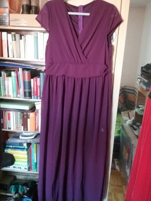 Robe de bal violet foncé