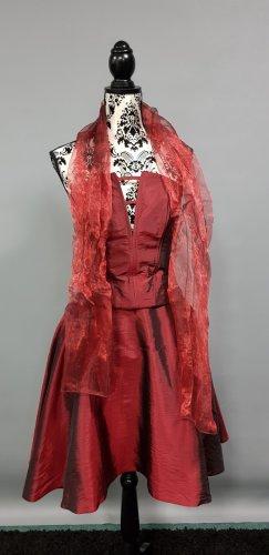 Sukienka z gorsetem bordo