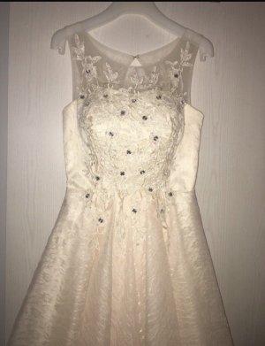 Vestido de baile crema