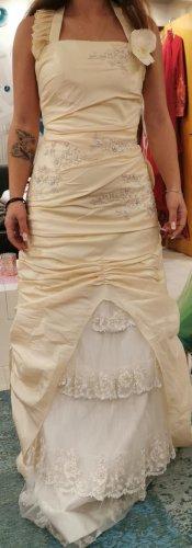 Vestido de baile crema-amarillo claro