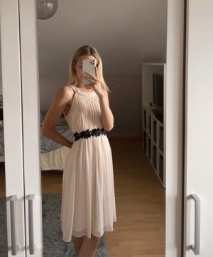 Ballkleid in rosé