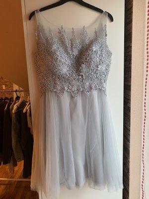 Suknia balowa jasnoszary-srebrny