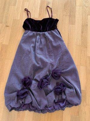 Rinascimento Sukienka z rękawem balonowym ciemny fiolet-fiolet
