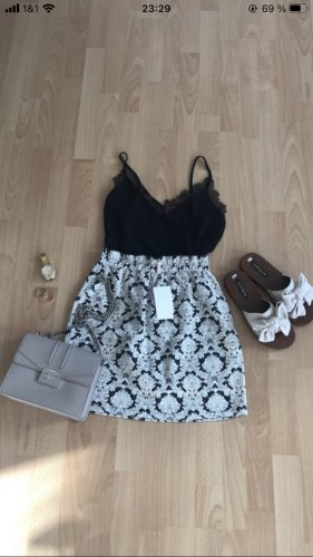 C&A Clockhouse Falda globo negro-blanco puro