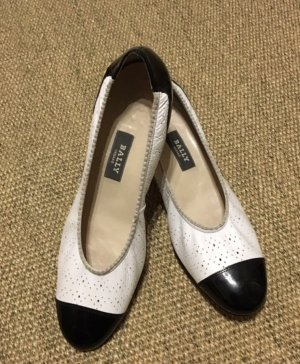 Bally Patent Leather Ballerinas white-black