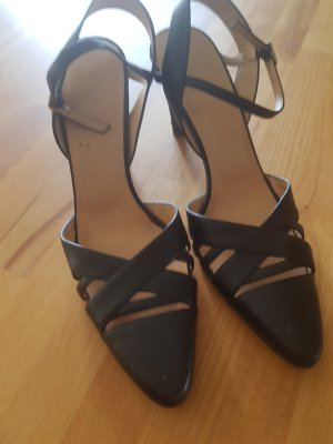 Bally Pointed Toe Pumps black