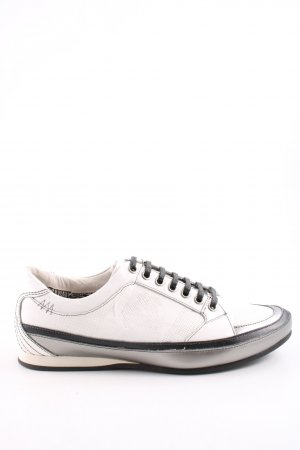 Bamboo Lace-Up Sneaker white-black casual look
