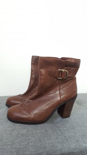 Banana Republic Slip-on Booties brown red leather