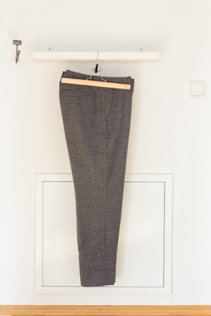 Banana Republic Pantalone di lana grigio scuro-bianco Tessuto misto