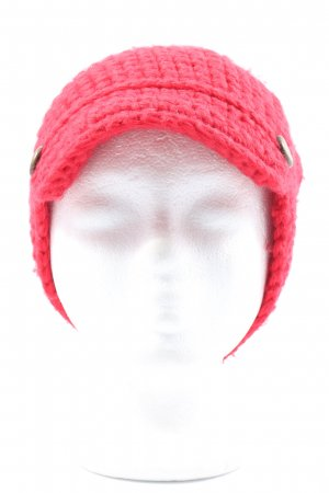 Banana Republic Crochet Cap red cable stitch casual look