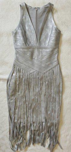 Vestido con flecos color plata