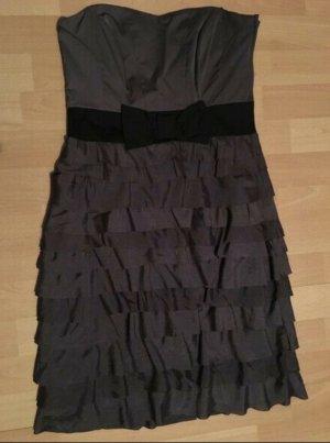 Bandeau Kleid mit Volants und Schleife in Anthrazit