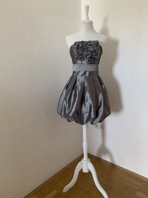 Romeo & Juliet Couture Balloon Dress silver-colored