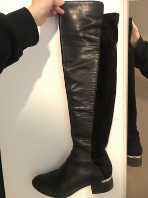 Bar ||| Over the knee boots!
