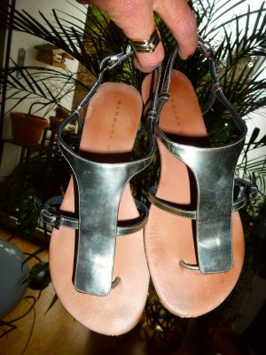 Barbara Bui Toe-Post sandals silver-colored leather