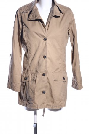 Barbour Trench Coat cream casual look