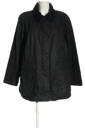 Barbour Between-Seasons Jacket black casual look