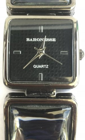 Watch With Metal Strap black-silver-colored