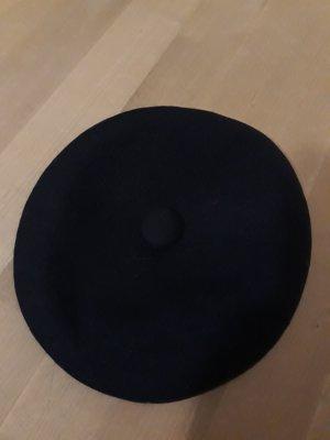 Béret bleu foncé