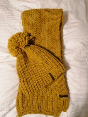 Barts Knitted Hat gold orange