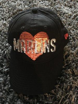 Base Cap in schwarz mit Pailletten Herz in orange, weitenverstellbar