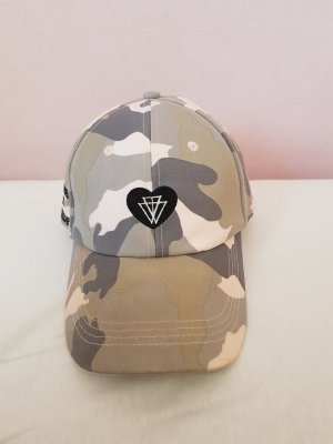 Base Cap mit Camouflage Muster