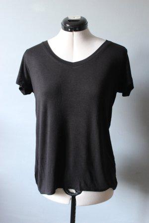 Basic Schwarzes Shirt