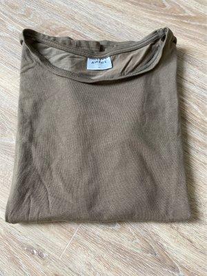 Basic T-Shirt in grün/ Olivgrün