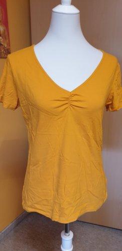 Basicshirt in Safrangelb mit gerafftem Ausschnitt, Tamnoon, Größe 3 (L bzw. 40/42)