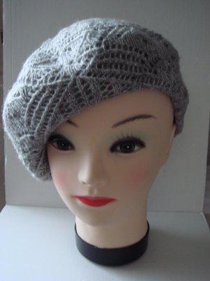 Baskenmütze Hut Mütze - hellgrau mit Silber -sehr weich und flauschige Wolle