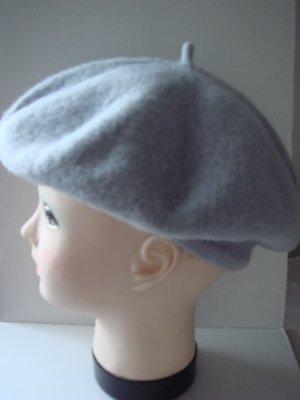 Baskenmütze Hut Mütze -  hellgrau -sehr weich und flauschige Wolle