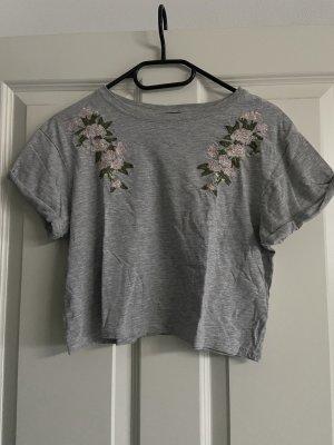 Bauchfreies T-Shirt