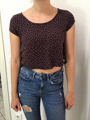 Bauchfreies T-shirt mit Rückenelement