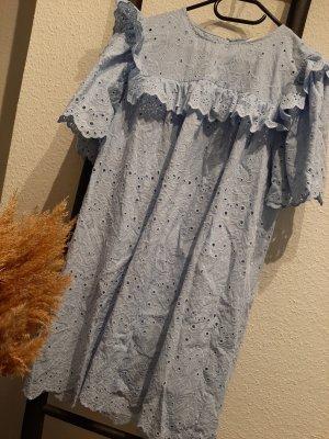 Baumwoll Kleid mit Lochstickerei hellblau 38/40