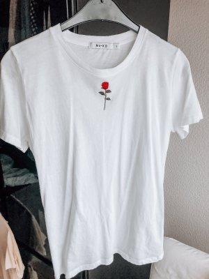 Baumwoll-T-Shirt mit Rosen Stickerei, NA-KD