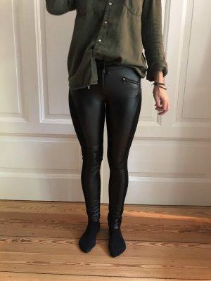 BCBG Maxazria Pantalón de cuero negro
