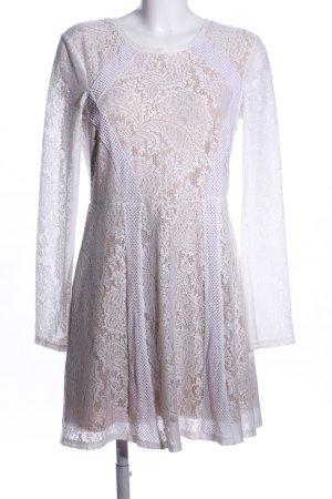 BCBG Maxazria Langarmkleid weiß-wollweiß Blumenmuster Elegant