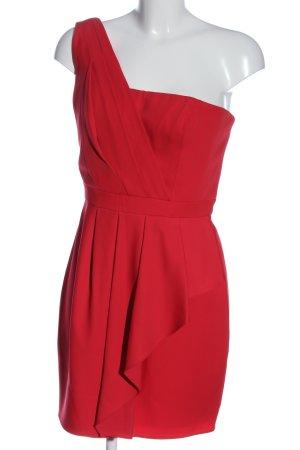 BCBG Maxazria Vestido de un hombro rojo look casual
