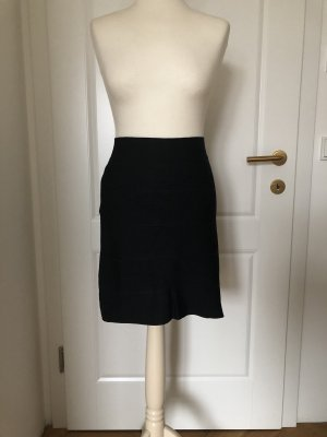 BCBG Maxazria Stretch Skirt black