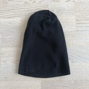 H&M Divided Gorro negro