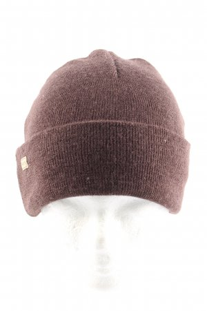 Gorro marrón look casual